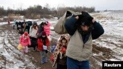 Migrantët gjatë rrugës Maqedoni - Serbi
