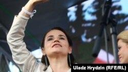 Світлана Тихановська на мітингу в Мінську