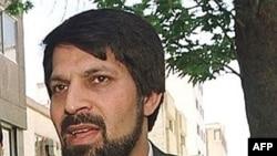 عمادالدين باقی، روزنامه نگار زندانی و رييس انجمن دفاع از حقوق زندانيان. ( عکس ازAFP)