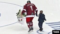 Олександр Лукашенко і його позашлюбний син Коля дуже люблять хокей, архівне фото