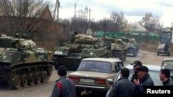 Российская военная техника на станции Веселая Лопань близ российско-украинской границы. 12 марта 2014 года.
