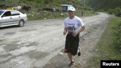 Олимп оюндарына катышуучу Айсулуу Тыныбекова машыгуу учурунда.