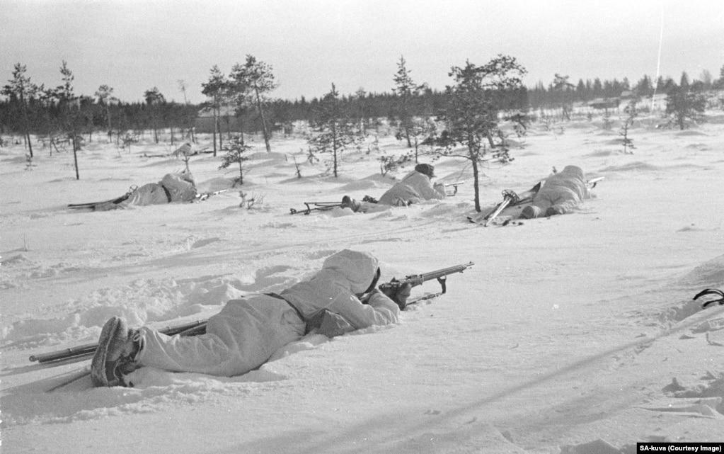 Незважаючи на переваги радянської армії в озброєнні та чисельності, фінські бійці використали кілька власних переваг, які мали згубний ефект для противника