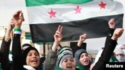 متظاهرات سوريات يطالبن برحيل الاسد