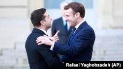 «Нормандська зустріч»: перші фото з Парижу