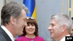 Украинанын президенти Ющенко (солдо) Брюсселде, 4-февраль, 2009