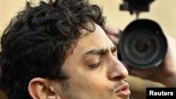 غنيم يتحدث الى المحتجين في ميدان التحرير