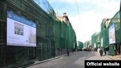Отрезок проспекта от площади Воронцова до здания Грузинской почты будет переделан в пешеходную зону. На этой территории откроется множество баров и кафе