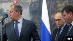 Спекуляции относительно возможности применения крымского прецедента в отношении двух де-факто республик возникли примерно полтора месяца назад. На эту тему высказались несколько российских политиков, и ее тут же подхватили журналисты