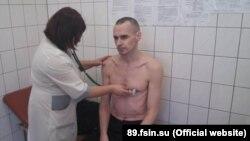 Олег Сенцов во время обследования в Лабытнангской больнице, 29 сентября 2018 года