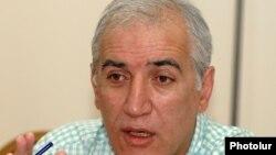 Член АНК, экономист Ваагн Хачатрян