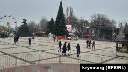 Площадь Ленина в Керчи, 31 декабря 2018 года