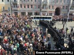 Москва, Пушкинская площадь, 5 мая 2018 года
