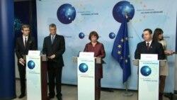 Premijeri Kosova Hašim Tači (L) i Srbije Ivica Dačić (D) na prvoj zajedničkoj konferenciji za novinare sa visokom predstavnicom EU za vanjske poslove Ketrin Ešton nakon sastanka u sedištu EU u Briselu, 20. mart 2013.