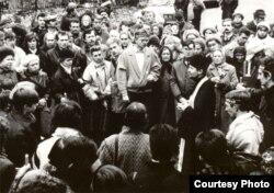 """Архіўнае фота, """"Дзяды"""" ў Віцебску, пачатак 1990-х."""
