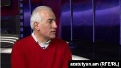 Տնտեսագետ Վահագն Խաչատրյանը «Ազատության» տաղավարում, արխիվ