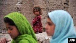 Афганские школьницы. Иллюстративное фото.