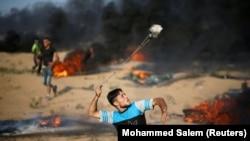 هزاران نفر روز جمعه در تظاهرات ضد اسرائیل در غزه حضور یافته بودند.