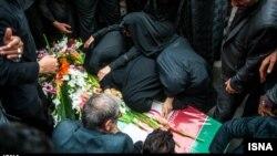 İranın Hələbin alınmasında verdiyi qurbanlardan birinin dəfni