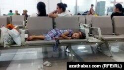 Аэропорт, Туркменабат