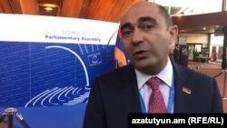 Лидер партии «Лусавор Айастан» Эдмон Марукян беседует с Радио Азатутюн, Страсбург, 11 апреля 2019 г․