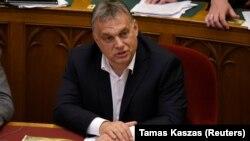 """Виктор Орбан перед голосованием за законы """"Стоп Сорос"""" в парламенте Венгрии, 20 июня 2018 года"""