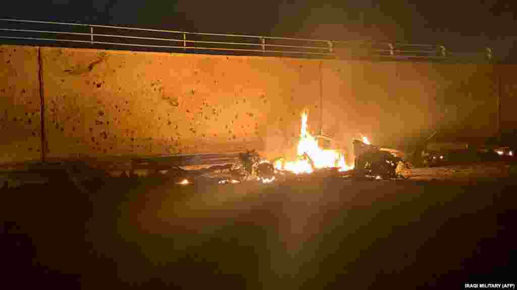 3 января Сулеймани был убит ракетным выстрелом США в багдадском аэропорту. Иракские военные разместили в фейсбуке фотографию горящей машины после ракетного удара