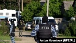 Сотрудники ФСБ России проводят обыски в Крыму, архивное фото