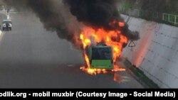 2015 йилда Тошкентда ёниб кетган автобус (иллюстратив сурат)