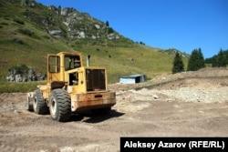 Строительство электрических сетей для внешнего электроснабжения горного курорта «Кокжайляу». Алматы, 10 августа 2014 года.