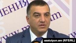 Министр труда и социальных вопросов Артем Асатрян (архив)
