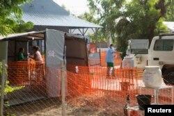 """Центр борьбы с эпидемией Эболы, созданный """"Врачами без границ"""". Мали, город Бамако, январь 2015 года"""