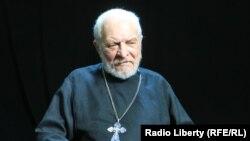 Правзащитник и священник Глеб Якунин.