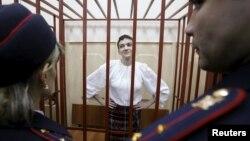 Українська льотчиця Надія Савченко під час засідання Басманного суду. Москва, 17 квітня 2015 року