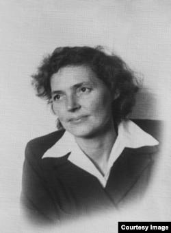 Художница Ирма Геккер-Худякова.