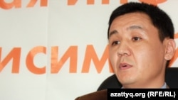 """Касым Аманжол, главный редактор сайта """"Жанаозен"""" в алматинском бюро радио Азаттык. 4 апреля 2012 года."""