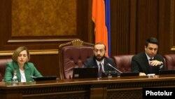 Armenia -- Speaker Ararat Mirzoyan (C) chairs a parliament debate on constitutional changes, Yerevan, February 6, 2020.