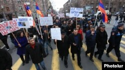 Armenia - Members and supporters of the Prosperous Armenia Party demonstrate in Yerevan, 9Feb2015.