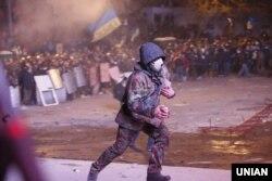 Сторонники евроинтеграции Украины на акции в Киеве. 19 января 2014 года.