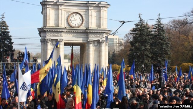 Reliable estimates put the number of participants in the November 3 'pro-Europe' rally in Chisinau at more than 60,000.