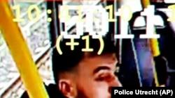 Poliția olnandeză a publicat imaginea lui Gokman Tanis pe care îl caută în legătură cu atentatul care a avut loc în Utrecht