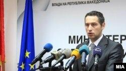 Министерот за здравство Никола Тодоров
