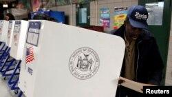 Pamje nga zgjedhjet presidenciale në Shtetet e Bashkuara të mbajtura më 8 nëntor