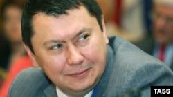Рахат Әлиев.