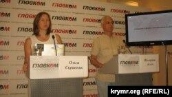 Ольга Скрипник и Виссарион Асеев на пресс-конференции в Киеве. Архивное фото