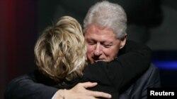 Bill dhe Hillary Clinton