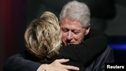 Bill dhe Hillary Clinton - foto arkivi