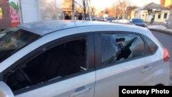 Неизвестные повредили автомобиль Игоря Харченко