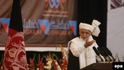 Президент Ашраф Гани коррупцияга каршы күрөшүүгө арналган конференцияда сүйлөдү. Кабыл, 1-сентябрь 2015