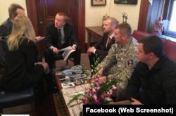 Українські депутати під час зустрічі із представниками Конгресу США, Семен Семенченко крайній праворуч. Листопад 2014 року